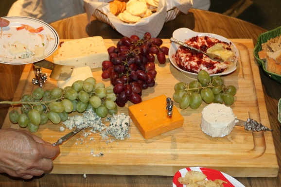 What a great cheese and fruit plate!